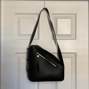 🖤 Black Faux Leather Triangle Topshop Bag 🖤